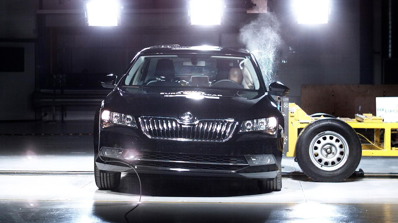 euro-ncap-crash-skoda-superb