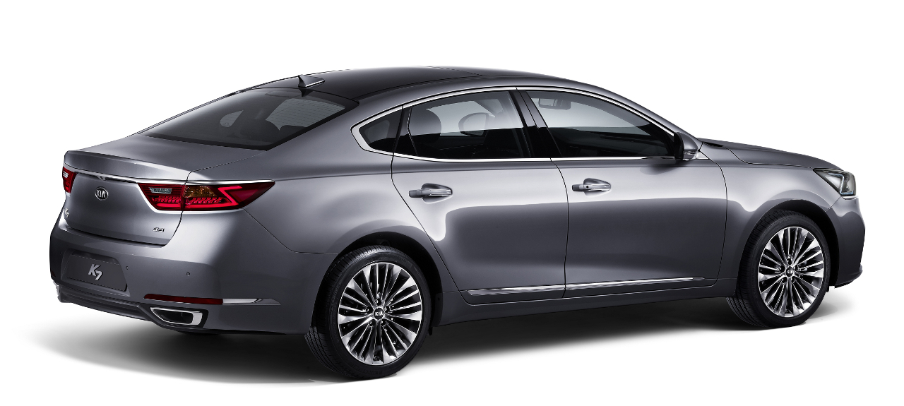 Kia Cadenza (K7)_rear quarter