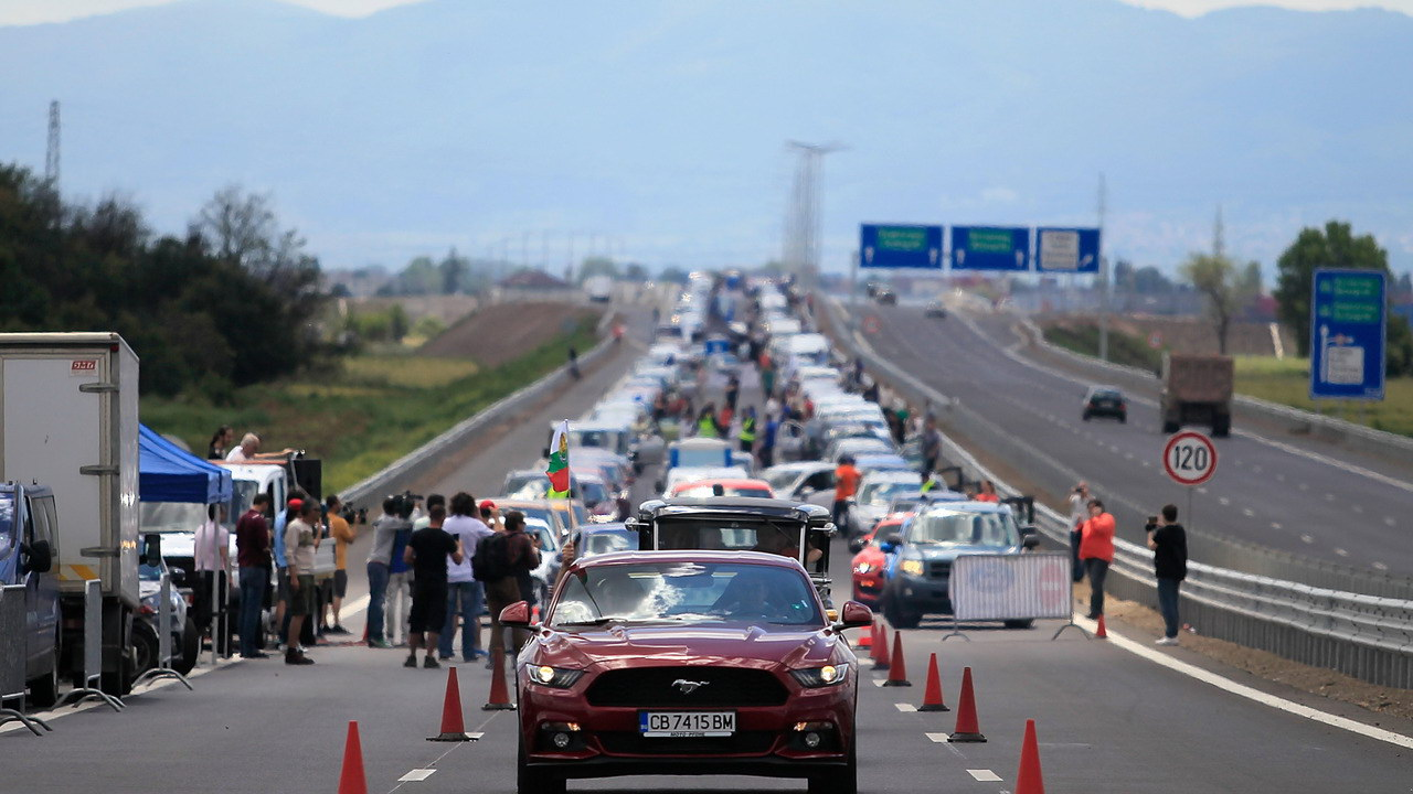 longest-queue-of-ford-vehicles-guinnes-world-record-set-in-bulgaria3