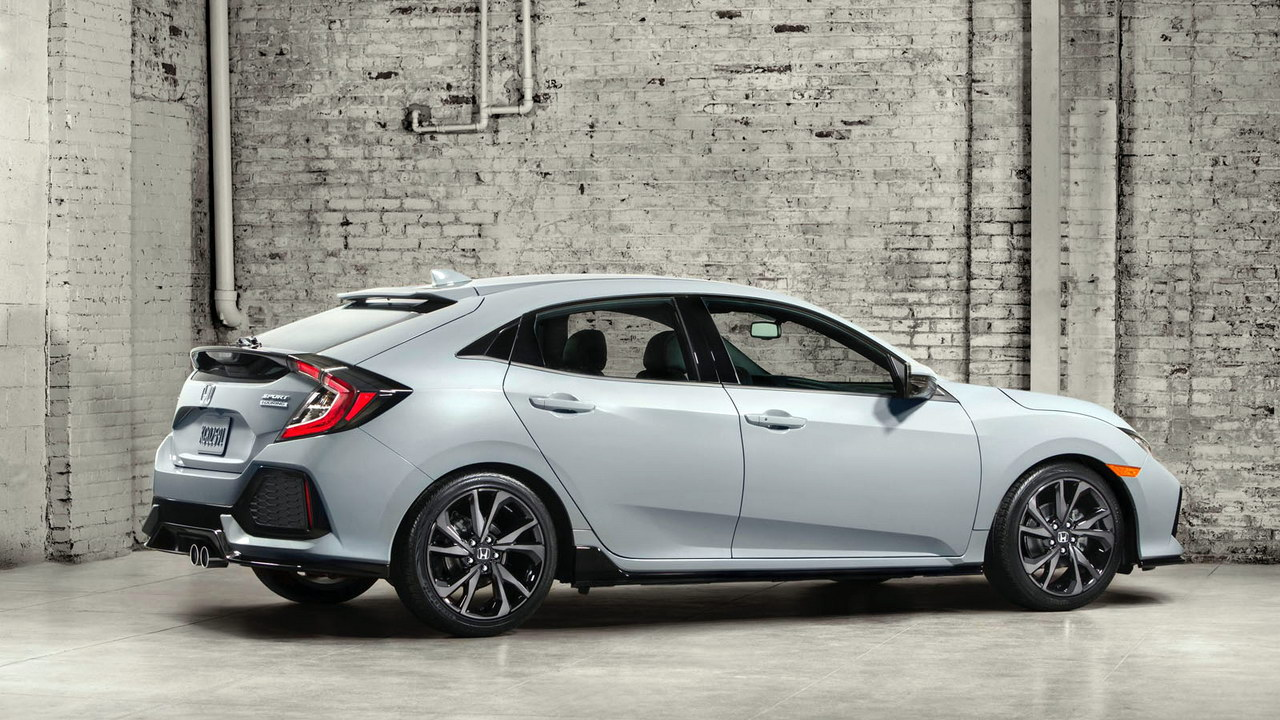 2017_Honda_Civic_Hatchback_Debut