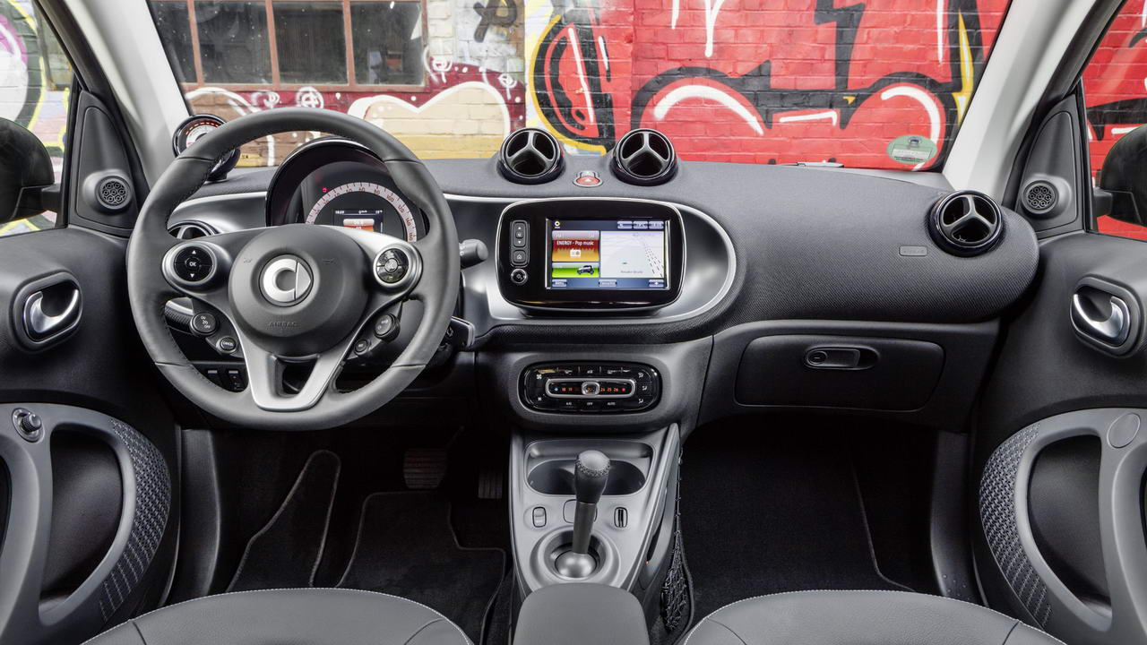 2017-smart-fortwo-electric-drive-10