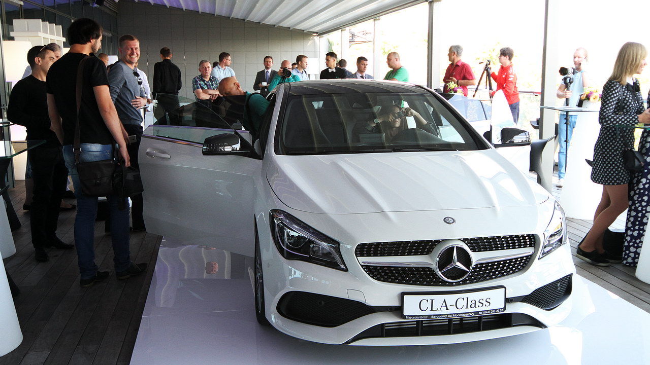 Mercedes-Benz CLA 01