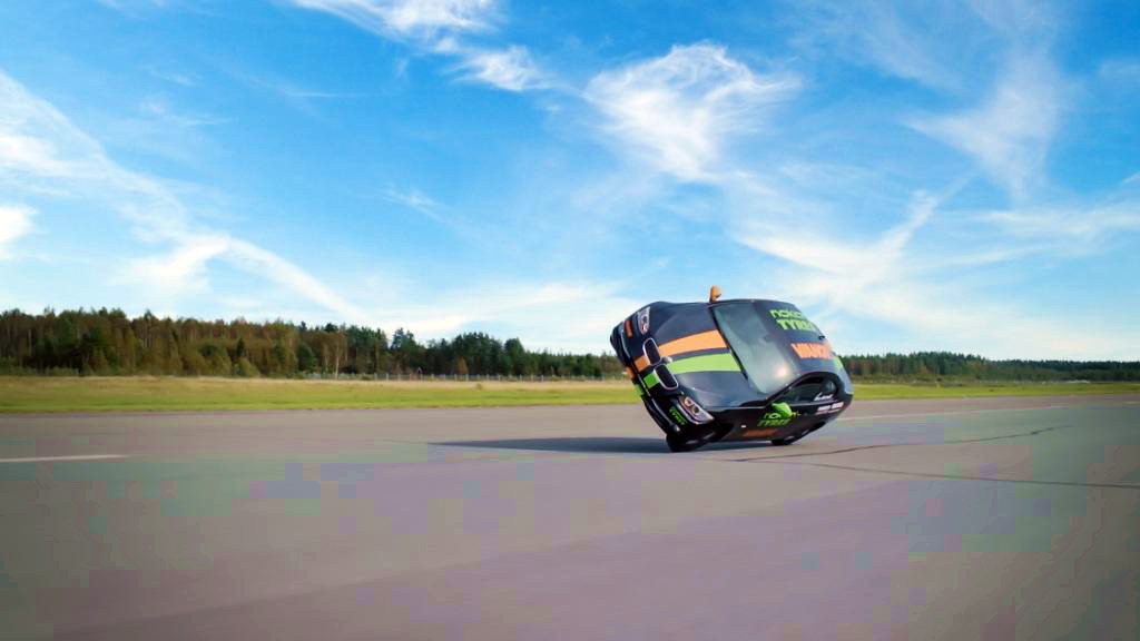 Nokian Tyres_Fastest side wheelie in a car_2016_1