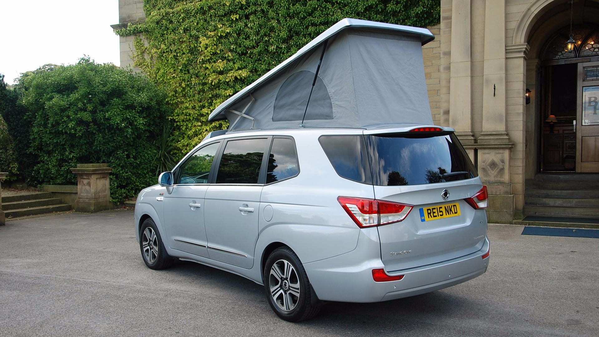 ssangyong-turismo-tourist (2)