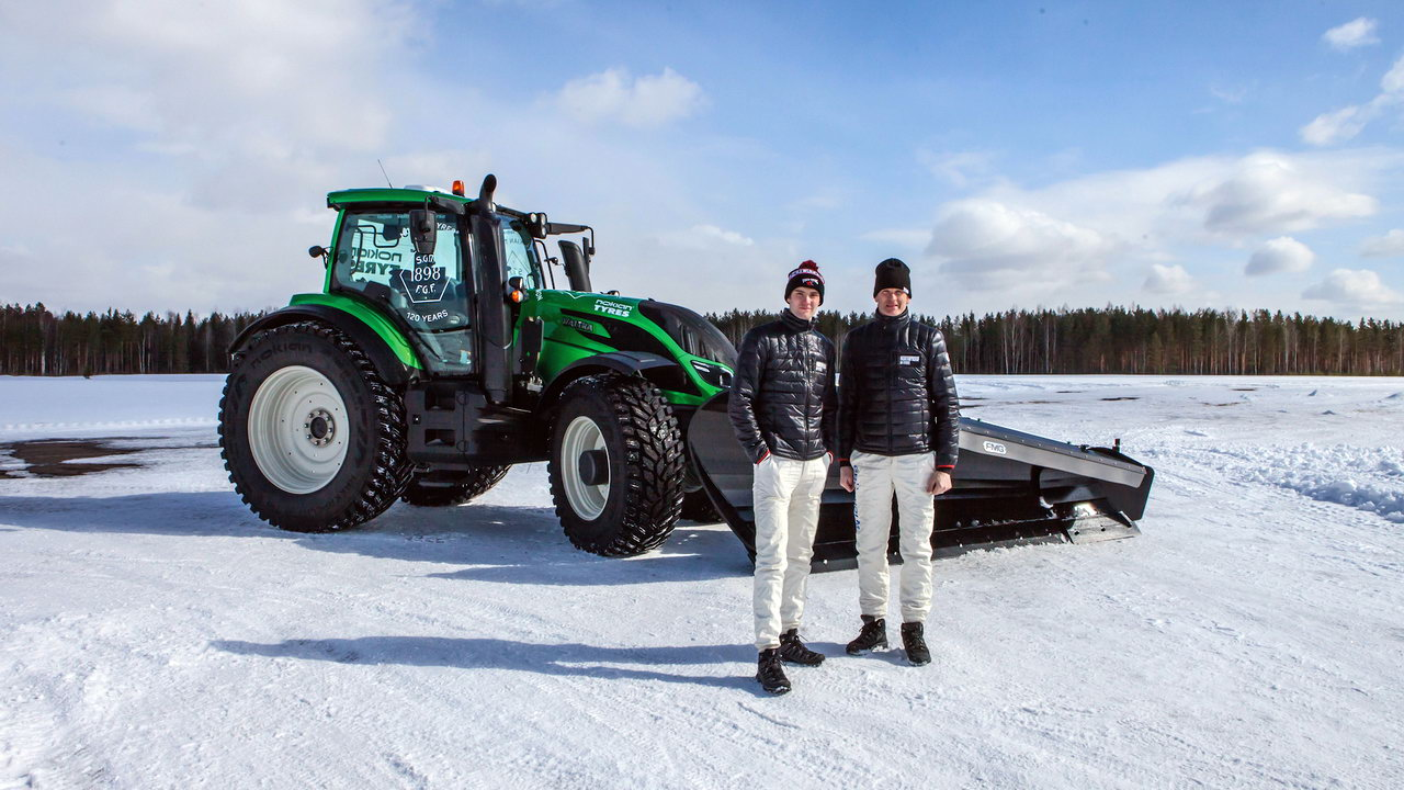 NokianTyres_Valtra_Snowrace_Gronholms