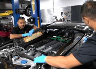 bugatti-veyron-oil-change
