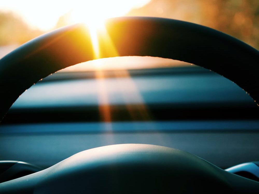 Sun_and_Car
