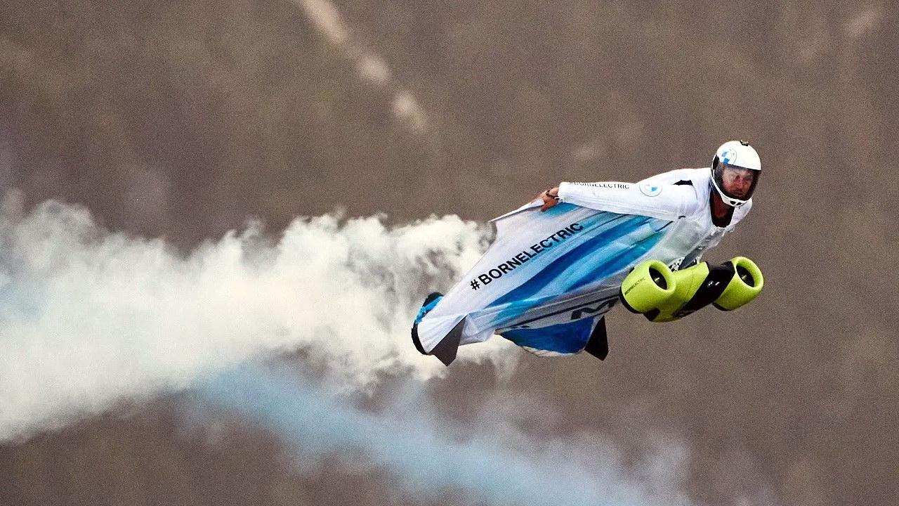 Wingsuit BMW