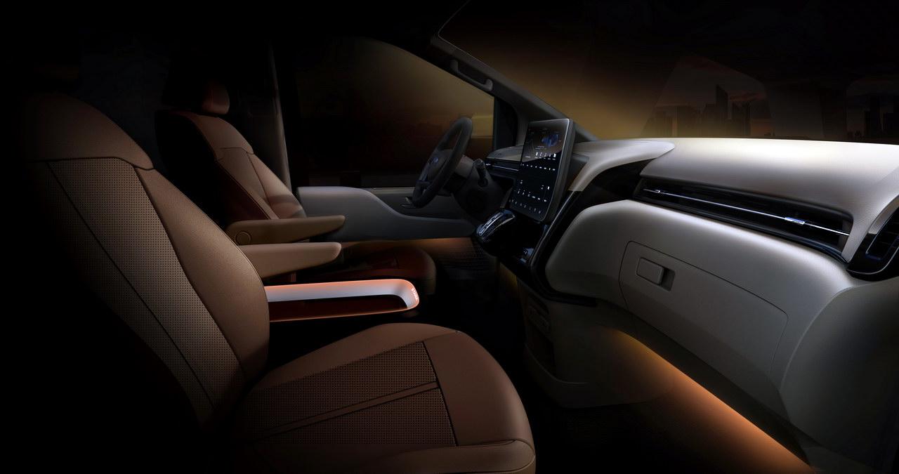 Hyundai Staria Premium